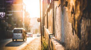 Jak radzić sobie w komunikacji miejskiej podczas upałów?