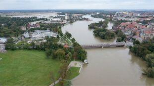 Woda w rzekach nadal na niebezpiecznym poziomie. Interwencje na Śląsku