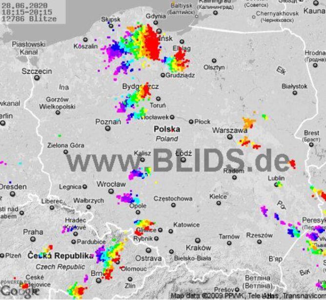 Ścieżka burz nad Polską (godz. 18.15-20.15) (blids.de)