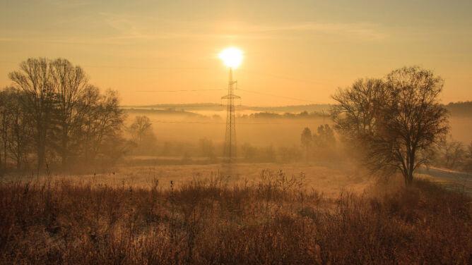 Słońce nie zniknie z polskiego nieba. Promyki przesłonią tylko mgły